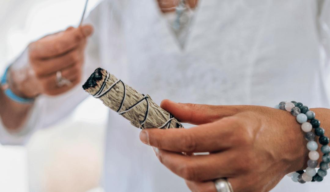 Sage Bundles & The Benefits of Burning Sage